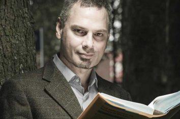 ประวัติ Ioannis Ikonomou